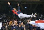 世界の王、世界一の胴上げ!